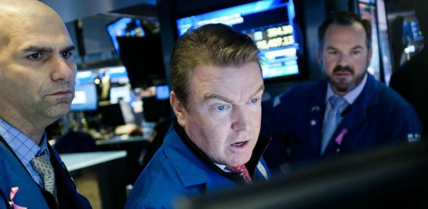 Wall Street potonuo više od 1 posto, niz razloga za brigu