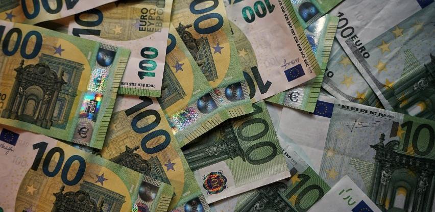 EU se zadužuje 800 milijardi eura za fond za oporavak
