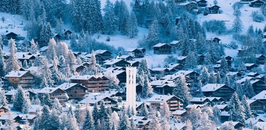 Stotine Britanaca pobjeglo iz karantene u švicarskom skijalištu