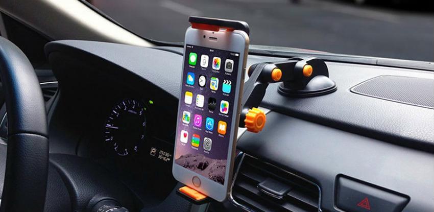 Britanski poslanici predlažu zabranu i za hands-free telefoniranje u vožnji