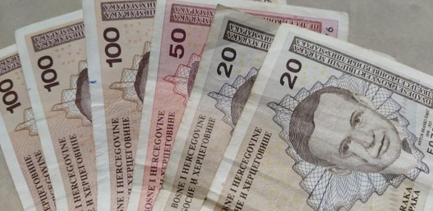Prosječna plata u BiH u decembru 988 KM