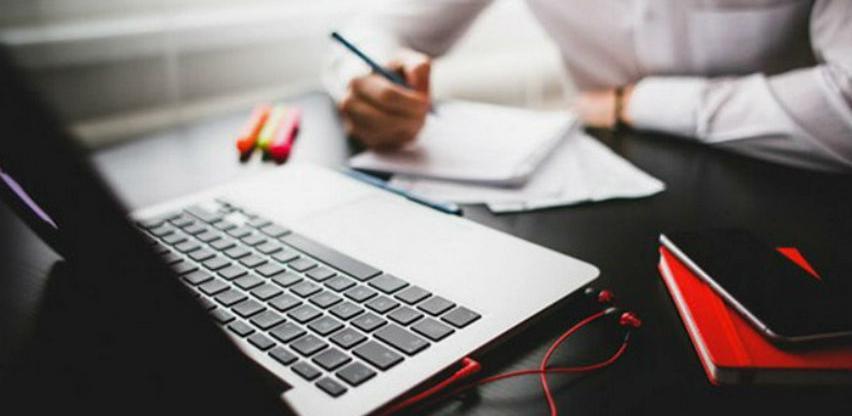 Računar u poslovanju koristi 99,5 posto firmi u BiH, a internet 99,3 posto