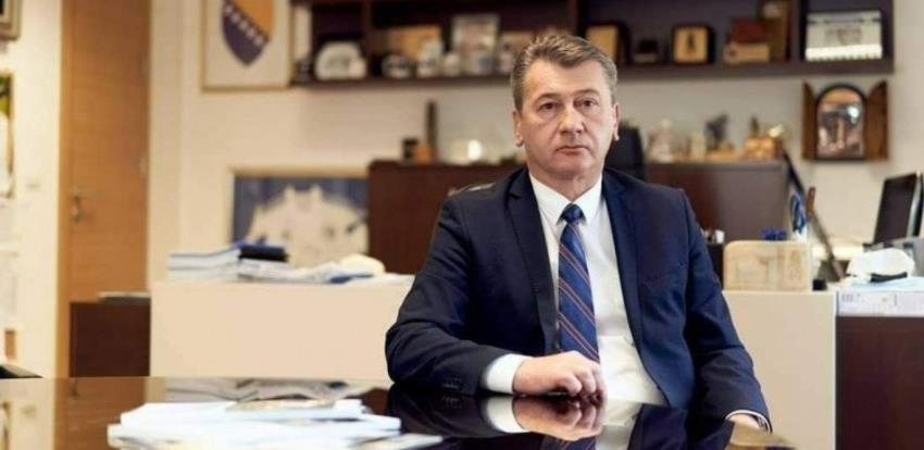 Hadžibajrić: Stambeno-poslovni objekat u Dženetića čikmi gradi se po zakonu