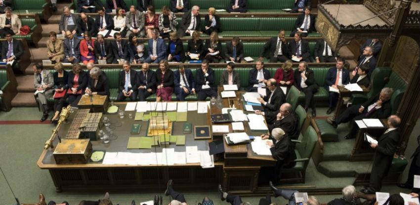 Hammond: Odgoda Brexita ako parlament odbije sporazum premijerke May