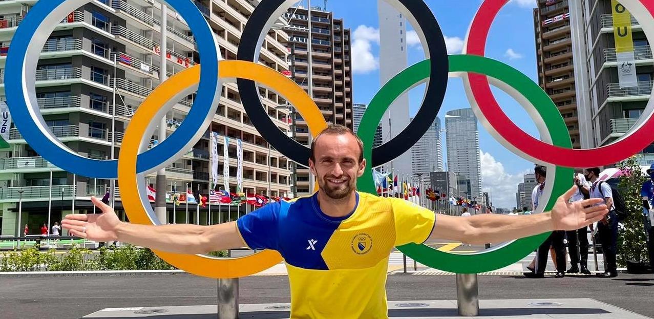Amel Tuka osvojio šesto mjesto na 800 metara na OI u Tokiju, u kolicima napustio stadion