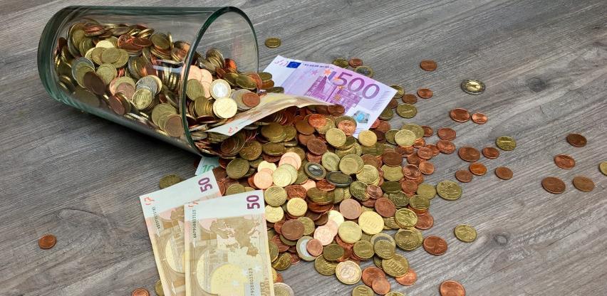 Četiri od deset Austrijanaca 'osjeća' koronu i finansijski