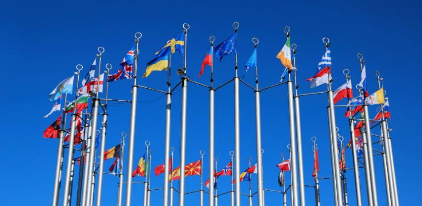 EU za deset godina uložila više od osam milijardi eura na Balkanu