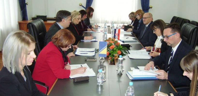 Brojne mogućnosti za unapređivanje bilateralnih odnosa BiH i Hrvatske
