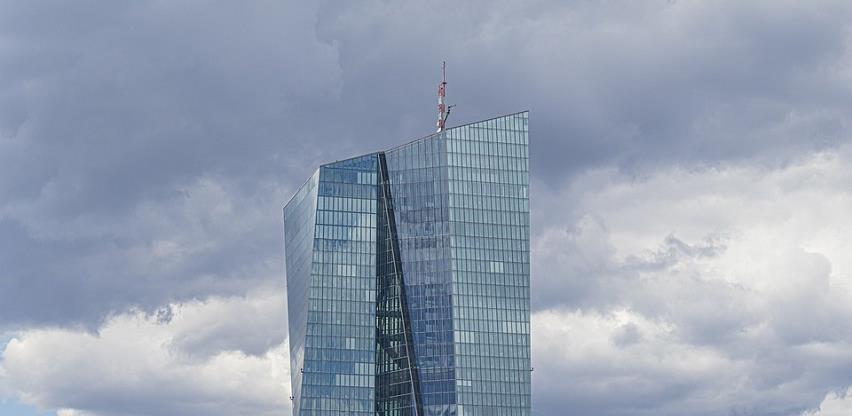 Europske banke ostaju bez 800 milijardi eura ako se pogorša epidemija