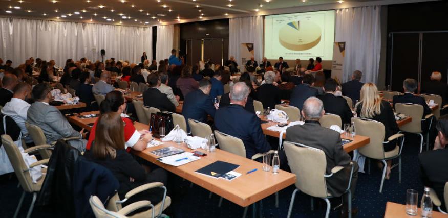 Potpisan sporazum o saradnji u edukaciji između UDO FBiH i Ekonomskog fakulteta