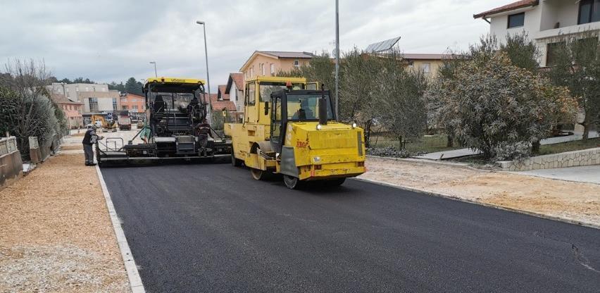 Završna faza radova na rehabilitaciji regionalne ceste Tromeđa – Zvirovići