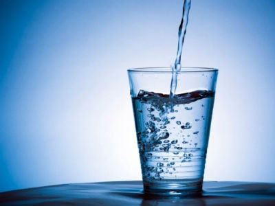 Slovenci dobili ustavno pravo na pitku vodu, voda neprofitni resurs