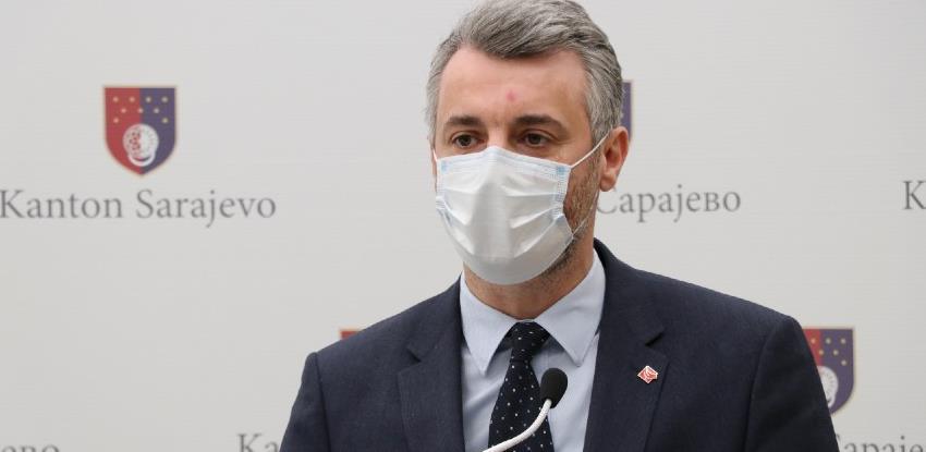 """Vlada KS: Potpuno zabraniti """"malina"""" respiratore, a inspekcija da uđe u KCUS"""