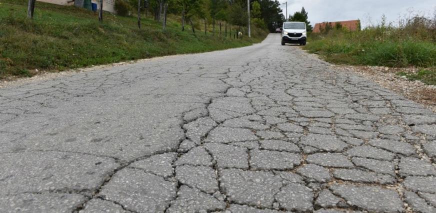 37.160 KM za sanaciju saobraćajnice između naselja Poljine i Nahorevska brda