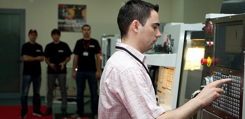 Probno predavanje za CNC operatera u INTERA TP-u