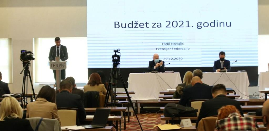 'Konzervativan i realan': Fadil Novalić predstavio budžet za 2021. od 5,4 milijardi KM