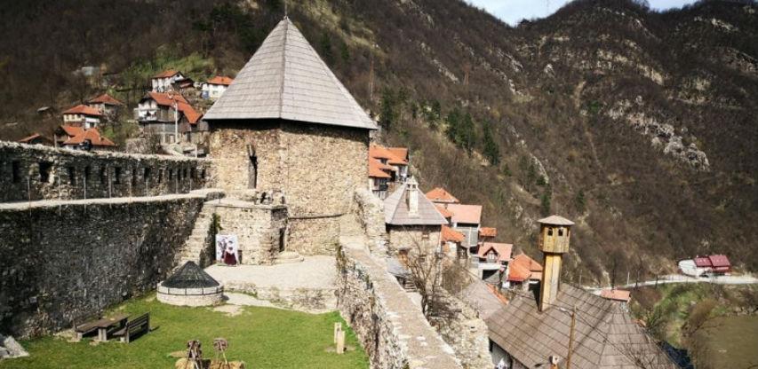 Srednjovjekovni ambijent Vranduka bit će upečatljiviji