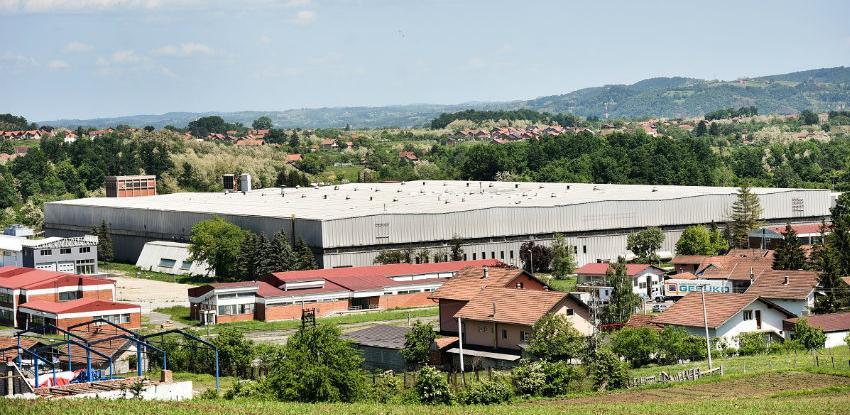 Poslovna zona u Ramićima: Na prodaju građevinska parcela
