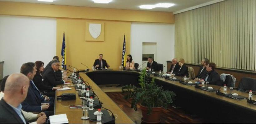 Danas je u Vladi Federacije BiH održan sastanak ministra poduzetništva i obrta FBiH Amira Zukića sa 11 dobavljača Agrokora u BiH.