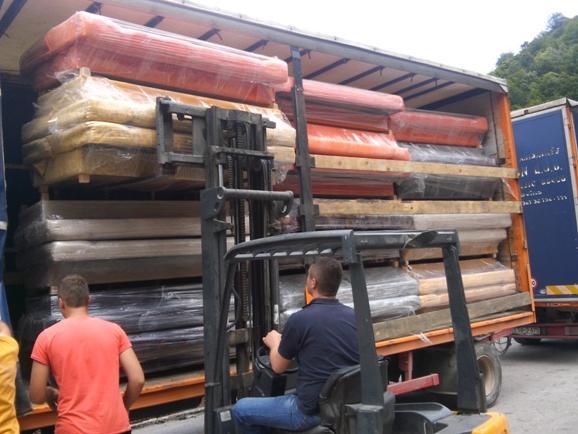 MS&WOOD dostavio u područje Maglaja 57 kauča