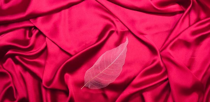 Korona stavila rampu na svilenu kolekciju