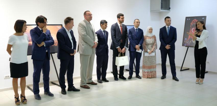 U Galeriji Općine Novi Grad otvorene izložbe grada Istanbula i Italije