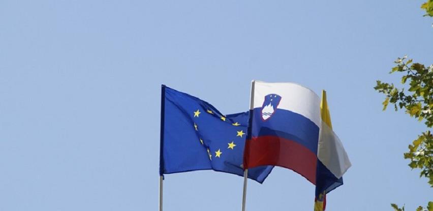 Slovenija skinula Srbiju sa crvene korona liste