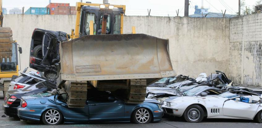UIO će raspisati tender za uništenje oko 2.300 oduzetih vozila