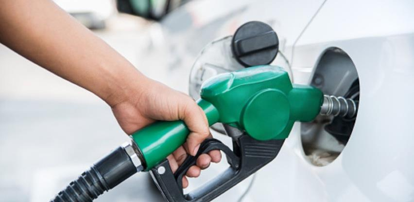 Točenje goriva u Sloveniji: Potreban test, potvrda o vakcini ili preležan COVID