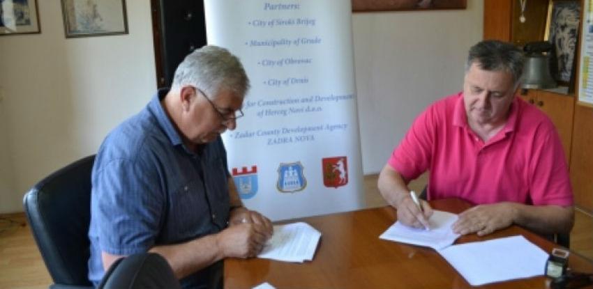 Potpisan Ugovor za infrastrukturne radove na lokalitetima Sajmište i Borak