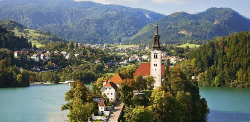 Slovenija lani s novim turističkim rekordom