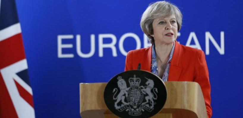 May stiže u Brisel na ključne pregovore o Brexitu