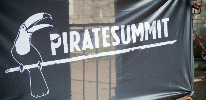 Pirati oteli SPARKov startup