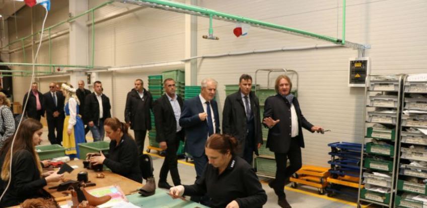 """U Novom Travniku svečano otvoren pogon švedske fabrike """"Kavat"""""""
