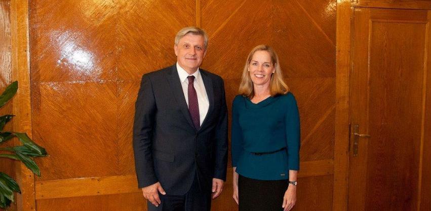 Softić: Ključan doprinos USAID-a reformi finansijskog sektora