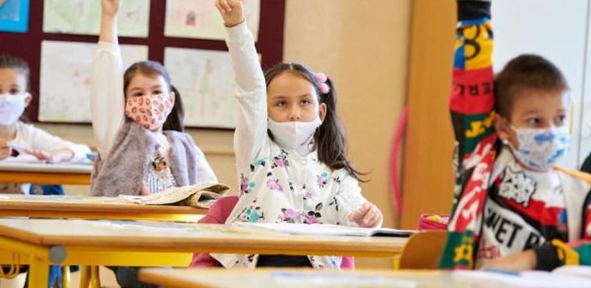 KS: Đaci do petog osnovne ne moraju nositi maske u učionicama