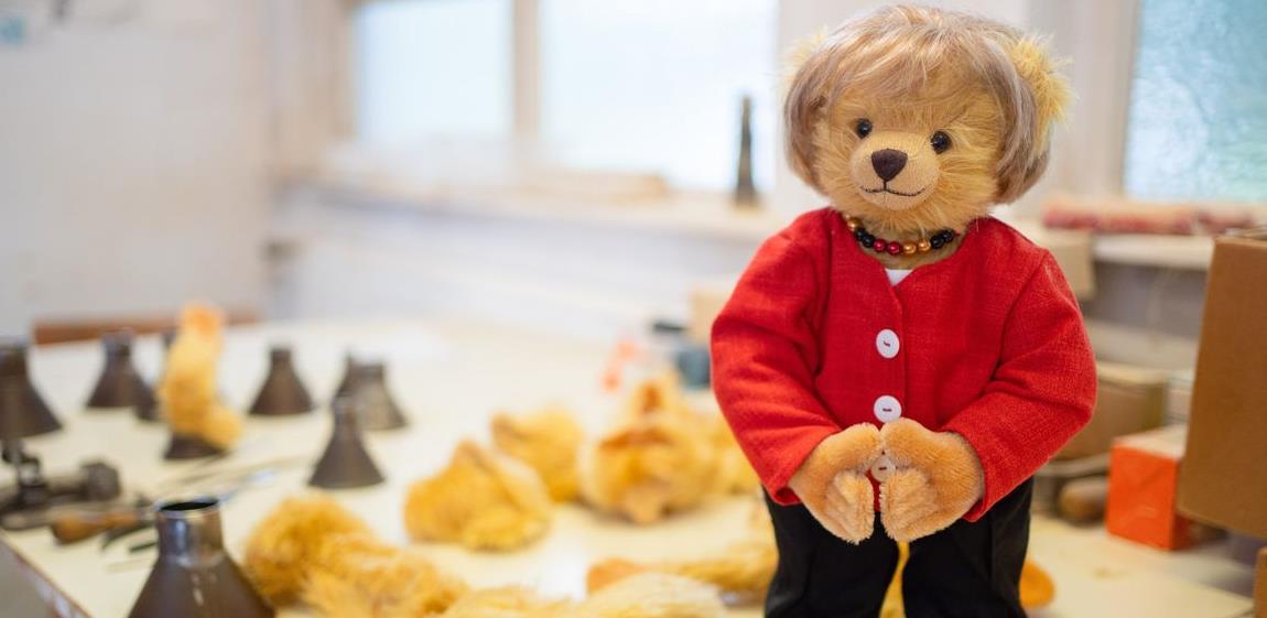 Njemačka fabrika igračaka proizvela medvjedića posvećenog Angeli Merkel