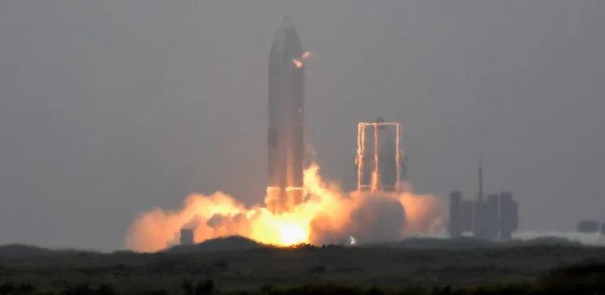 Video: Muskova raketa Starship konačno uspješno sletjela