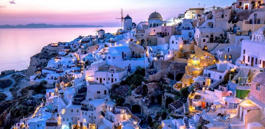 U Grčkoj se otvaraju terase kafića i restorana nakon šest mjeseci karantene
