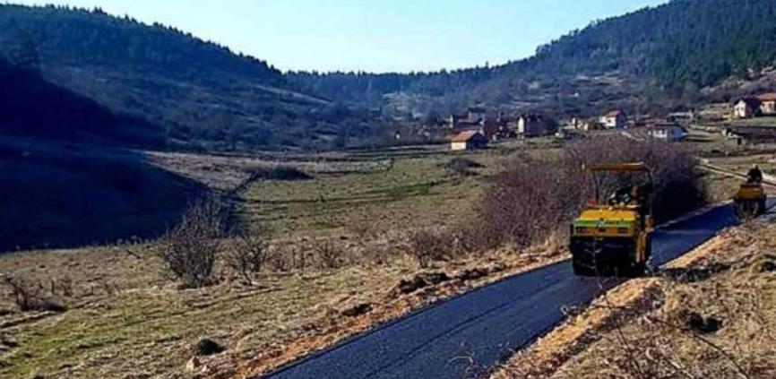 Asfaltirano više od 2,5 kilometra lokalnih dionica