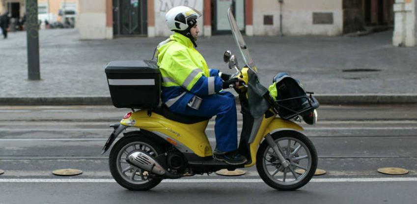 Tešanjski Danial S oblači radnike Pošta Srpske