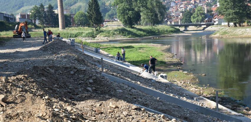 Intenzivirani radovi na uređenju desne obale rijeke Bosne