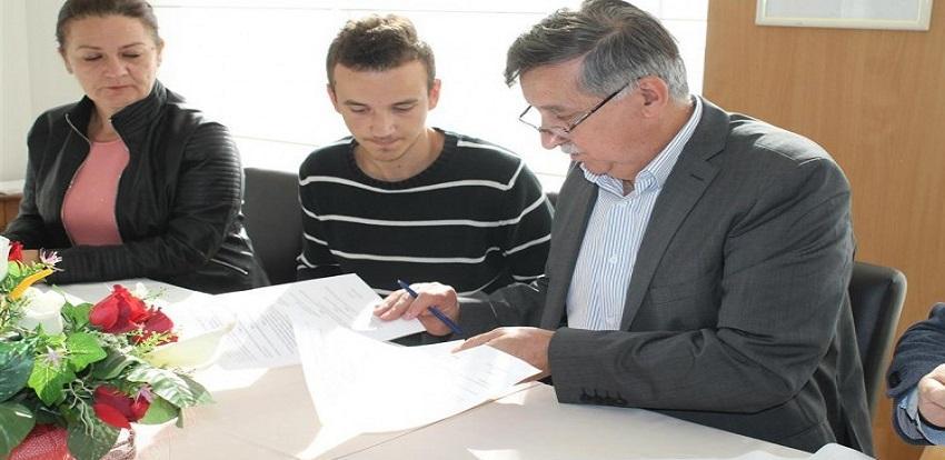 Medžlis IZ Mostar dodijelio četiri stipendije učenicima Ugostiteljske škole