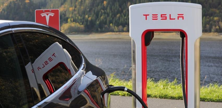 Tesla otvara prvi prodajni salon u Hrvatskoj