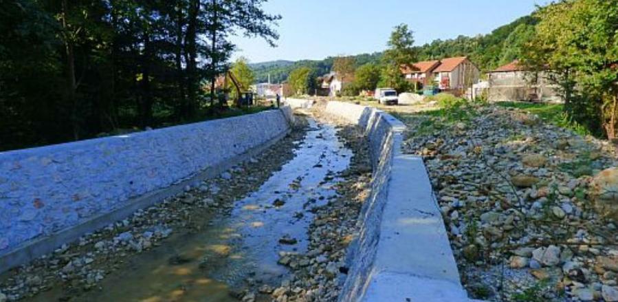 U toku radovi na regulaciji korita rijeke Sapne