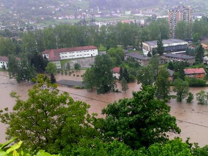 Maglaj odsječen, vodostaj rijeke Bosne nezapamćen