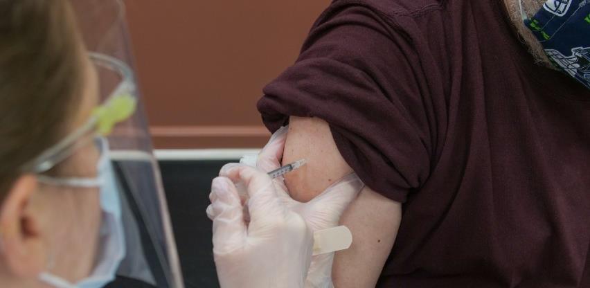 U RS vakcine će prvi primiti medicinari koji rade s covid pacijentima