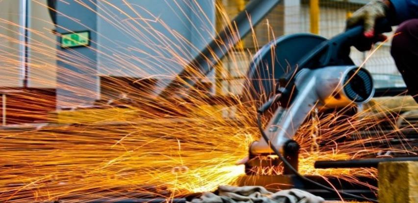 Rast broja zaposlenih u obrtu i djelatnostima slobodnih profesija