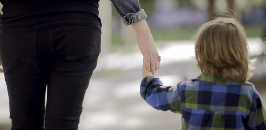 """Dok traje """"borba za nacionalne interese"""": Dječji doplatak povećan za – 5 KM!"""