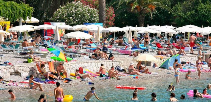 Ustanovljena procedura: Šta će biti sa turistima koji se zaraze u Hrvatskoj?